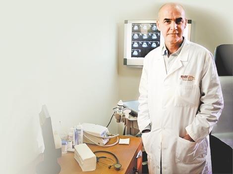 Dr. Salvador Navarrete