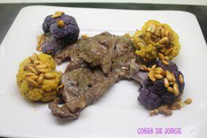 filete-de-ternera-con-coliflor-de-colores